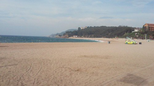 Lloret de Mar: Fenals Beach--deserted at this ungodly hour