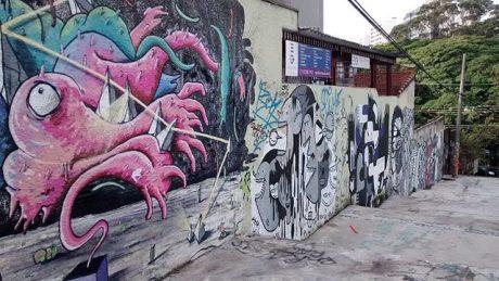 My São Paulo Vacation Rental 640px-Grafites_na_Alameda_Tim_Maia,_em_São_Paulo-SP