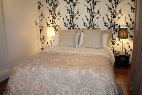 Airbnb problems in Spain Seville bedroom